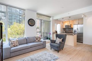 Photo 4: 501 1211 MELVILLE Street in Vancouver: Coal Harbour Condo for sale (Vancouver West)  : MLS®# R2398863