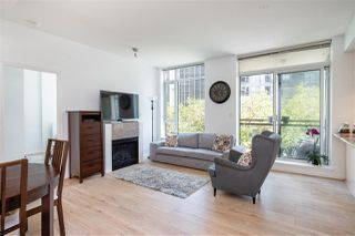 Photo 2: 501 1211 MELVILLE Street in Vancouver: Coal Harbour Condo for sale (Vancouver West)  : MLS®# R2398863