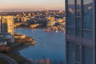 "Photo 18: 2906 455 BEACH Crescent in Vancouver: Yaletown Condo for sale in ""Park West"" (Vancouver West)  : MLS®# R2410734"