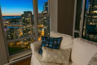 "Photo 13: 2906 455 BEACH Crescent in Vancouver: Yaletown Condo for sale in ""Park West"" (Vancouver West)  : MLS®# R2410734"