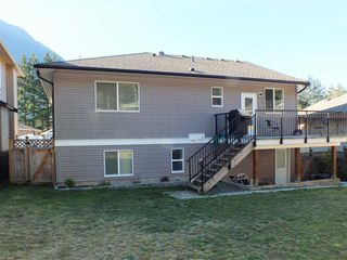 "Photo 3: 21234 KETTLE VALLEY Place in Hope: Hope Kawkawa Lake House for sale in ""KETTLE VALLEY LANDING"" : MLS®# R2416517"