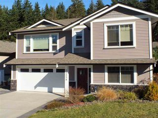 "Photo 2: 21234 KETTLE VALLEY Place in Hope: Hope Kawkawa Lake House for sale in ""KETTLE VALLEY LANDING"" : MLS®# R2416517"