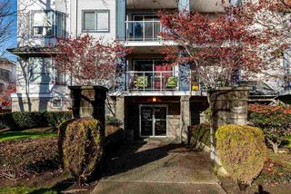 """Photo 2: 312 20177 54A Avenue in Langley: Langley City Condo for sale in """"STONEGATE"""" : MLS®# R2419590"""
