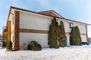 Photo 2: 202 1410 DAWSON Road Northeast in Lorette: Condominium for sale (R05)  : MLS®# 202000683
