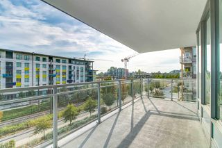 Photo 7: 305 3281 E KENT AVENUE NORTH in Vancouver: South Marine Condo for sale (Vancouver East)  : MLS®# R2435589