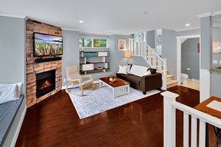 Photo 5: 4 1073 LYNN VALLEY Road in North Vancouver: Lynn Valley Condo for sale : MLS®# R2468395