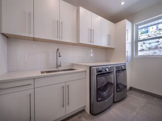 Photo 18: 5990 BARNACLE Street in Sechelt: Sechelt District House for sale (Sunshine Coast)  : MLS®# R2473923