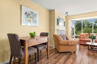 "Photo 5: 305 2195 W 5TH Avenue in Vancouver: Kitsilano Condo for sale in ""THE HEARTHSTONE"" (Vancouver West)  : MLS®# R2489507"