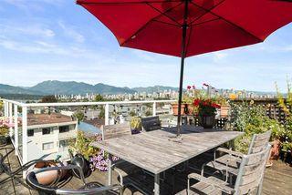 "Photo 2: 305 2195 W 5TH Avenue in Vancouver: Kitsilano Condo for sale in ""THE HEARTHSTONE"" (Vancouver West)  : MLS®# R2489507"