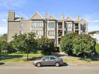 "Photo 26: 305 2195 W 5TH Avenue in Vancouver: Kitsilano Condo for sale in ""THE HEARTHSTONE"" (Vancouver West)  : MLS®# R2489507"
