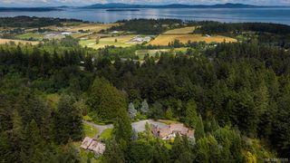 Photo 25: 691 Donnington Pl in : SW Elk Lake Single Family Detached for sale (Saanich West)  : MLS®# 855570