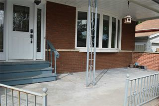 Photo 2: 16 Homestead Avenue in Toronto: West Hill House (Bungalow) for lease (Toronto E10)  : MLS®# E4911083
