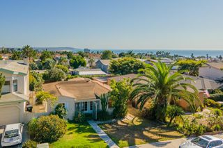 Photo 12: PACIFIC BEACH House for sale : 3 bedrooms : 919 Van Nuys Street in San Diego
