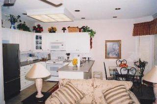 Photo 2: 71 14909 32 Avenue in White Rock: Home for sale : MLS®# F2420055
