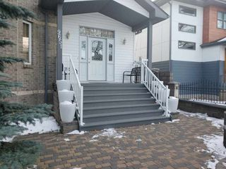 Photo 3: 9651 80 Avenue in Edmonton: Zone 17 House for sale : MLS®# E4224039