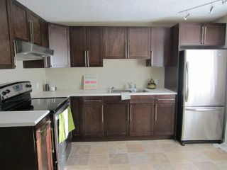 Photo 7: 220 Regent Avenue East in WINNIPEG: Transcona Residential for sale (North East Winnipeg)  : MLS®# 1300692