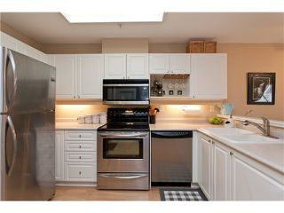 """Photo 4: 305 1618 GRANT Avenue in Port Coquitlam: Glenwood PQ Condo for sale in """"WEDGEWOOD MANOR"""" : MLS®# V989074"""