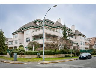 "Main Photo: 305 1618 GRANT Avenue in Port Coquitlam: Glenwood PQ Condo for sale in ""WEDGEWOOD MANOR"" : MLS®# V989074"