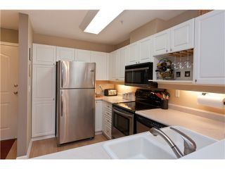 """Photo 5: 305 1618 GRANT Avenue in Port Coquitlam: Glenwood PQ Condo for sale in """"WEDGEWOOD MANOR"""" : MLS®# V989074"""