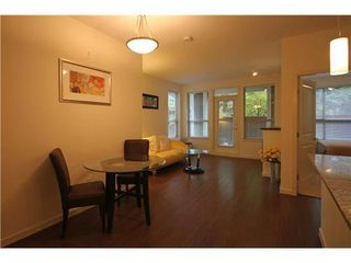 Photo 3: 112 2484 WILSON Ave in Port Coquitlam: Central Pt Coquitlam Home for sale ()  : MLS®# V919803