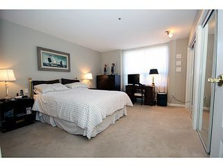 """Photo 8: 110N 1100 56TH Street in Tsawwassen: Tsawwassen East Condo for sale in """"ROYAL OAKS"""" : MLS®# V1019596"""