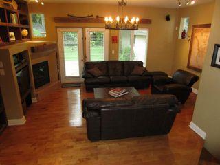 Photo 2: 656 Kildonan Drive in WINNIPEG: East Kildonan Residential for sale (North East Winnipeg)  : MLS®# 1316204