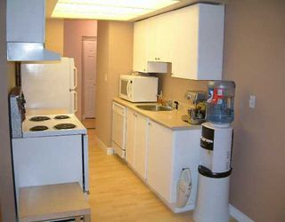 Photo 2: 201 1515 CHESTERFIELD AV, North Vancouver in North Vancouver: Central Lonsdale Condo for sale : MLS®# V593187
