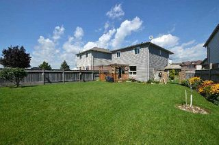 Photo 11: 27 Shady Lane Crest in Clarington: Bowmanville House (2-Storey) for sale : MLS®# E3008537