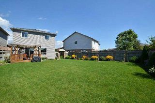 Photo 13: 27 Shady Lane Crest in Clarington: Bowmanville House (2-Storey) for sale : MLS®# E3008537
