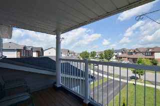 Photo 3: 27 Shady Lane Crest in Clarington: Bowmanville House (2-Storey) for sale : MLS®# E3008537