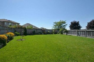 Photo 10: 27 Shady Lane Crest in Clarington: Bowmanville House (2-Storey) for sale : MLS®# E3008537