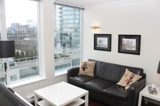 Photo 2: 510 550 Taylor Street in Vancouver: Condo for sale : MLS®# V1106022
