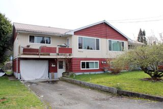 Main Photo: 9420-9422 CARLETON STREET in Chilliwack: Chilliwack E Young-Yale Home for sale : MLS®# R2044553