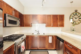 Photo 8: 210 4458 ALBERT STREET in Burnaby: Vancouver Heights Townhouse for sale (Burnaby North)  : MLS®# R2087161