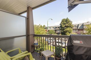 Photo 3: 210 4458 ALBERT STREET in Burnaby: Vancouver Heights Townhouse for sale (Burnaby North)  : MLS®# R2087161