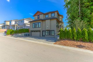 Photo 3: 10418 164 STREET in Surrey: Fraser Heights House for sale (North Surrey)  : MLS®# R2275475