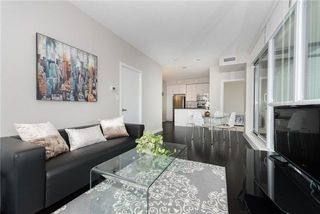 Photo 3: 4070 Confederation Pkwy Unit #3409 in Mississauga: City Centre Condo for sale : MLS®# W4094881