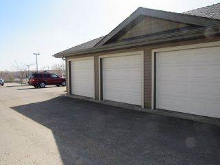 Photo 3: 43 Oak Vista Drive in St. Albert: Condo for rent