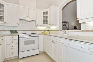 """Photo 7: 334 3098 GUILDFORD Way in Coquitlam: North Coquitlam Condo for sale in """"Marlborough House"""" : MLS®# R2387538"""