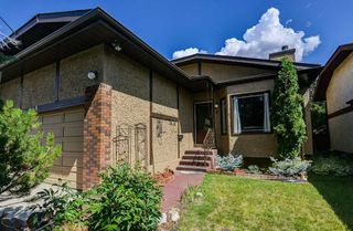 Photo 2: 8 Woodborough Place SW in Calgary: Woodbine Detached for sale : MLS®# C4263304