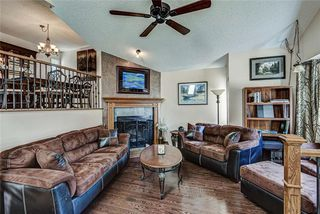 Photo 4: 8 Woodborough Place SW in Calgary: Woodbine Detached for sale : MLS®# C4263304