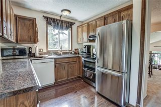 Photo 8: 8 Woodborough Place SW in Calgary: Woodbine Detached for sale : MLS®# C4263304