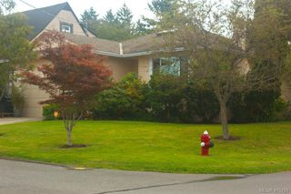 Photo 3: 1401 Harrop Road in VICTORIA: SE Cedar Hill Single Family Detached for sale (Saanich East)  : MLS®# 415781