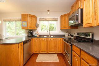 Photo 11: 1401 Harrop Road in VICTORIA: SE Cedar Hill Single Family Detached for sale (Saanich East)  : MLS®# 415781