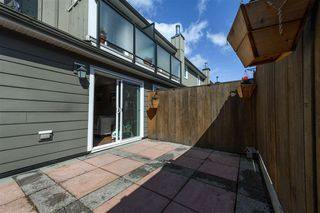 Photo 19: 15 39752 GOVERNMENT ROAD in Squamish: Northyards Townhouse for sale : MLS®# R2363911