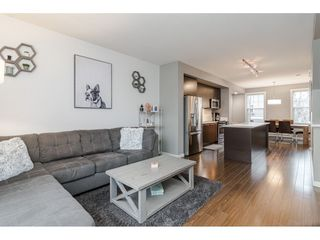 """Photo 5: 77 18983 72A Avenue in Surrey: Clayton Townhouse for sale in """"KEW"""" (Cloverdale)  : MLS®# R2425839"""