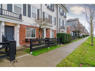 """Photo 1: 77 18983 72A Avenue in Surrey: Clayton Townhouse for sale in """"KEW"""" (Cloverdale)  : MLS®# R2425839"""