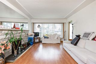 Photo 3: 2535 E 1ST Avenue in Vancouver: Renfrew VE House for sale (Vancouver East)  : MLS®# R2432986