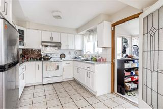 Photo 2: 2535 E 1ST Avenue in Vancouver: Renfrew VE House for sale (Vancouver East)  : MLS®# R2432986