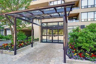 Photo 2: 420 32 Clarissa Drive in Richmond Hill: Harding Condo for sale : MLS®# N4690720